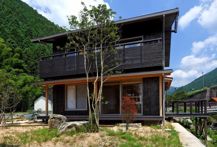 兵庫県の建築家で設計事務所が設計した岡山県西粟倉村の注文住宅